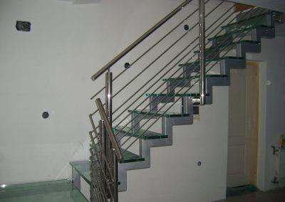 samonosece stepenice metal-staklo