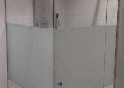 staklena tus kabina 2